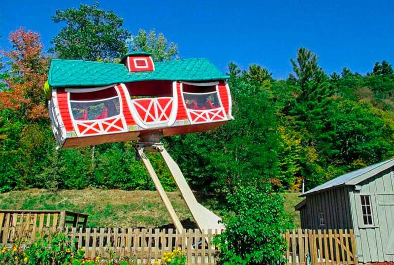 crazy-house-farm-1